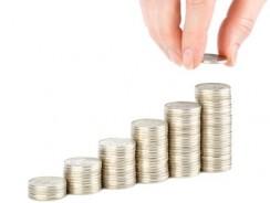 Jak mniej płacić za usługi bankowe?